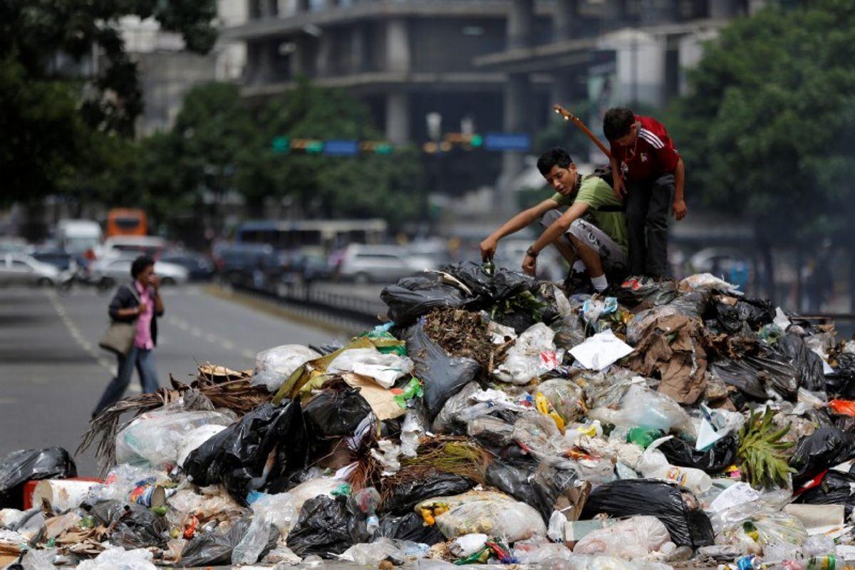 Global Garbage Time