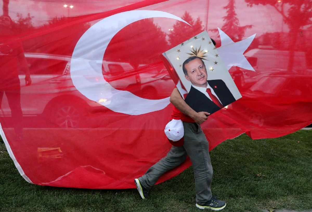 TURKEY: THE BACKSTAGE TROUBLES OF A ONE-MAN SHOW