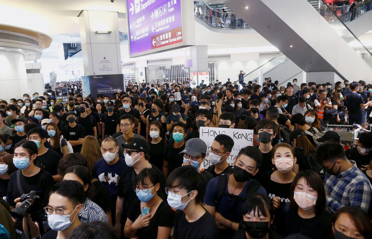 What We're Watching: Hong Kong, Venezuela, Trudeau in Trouble