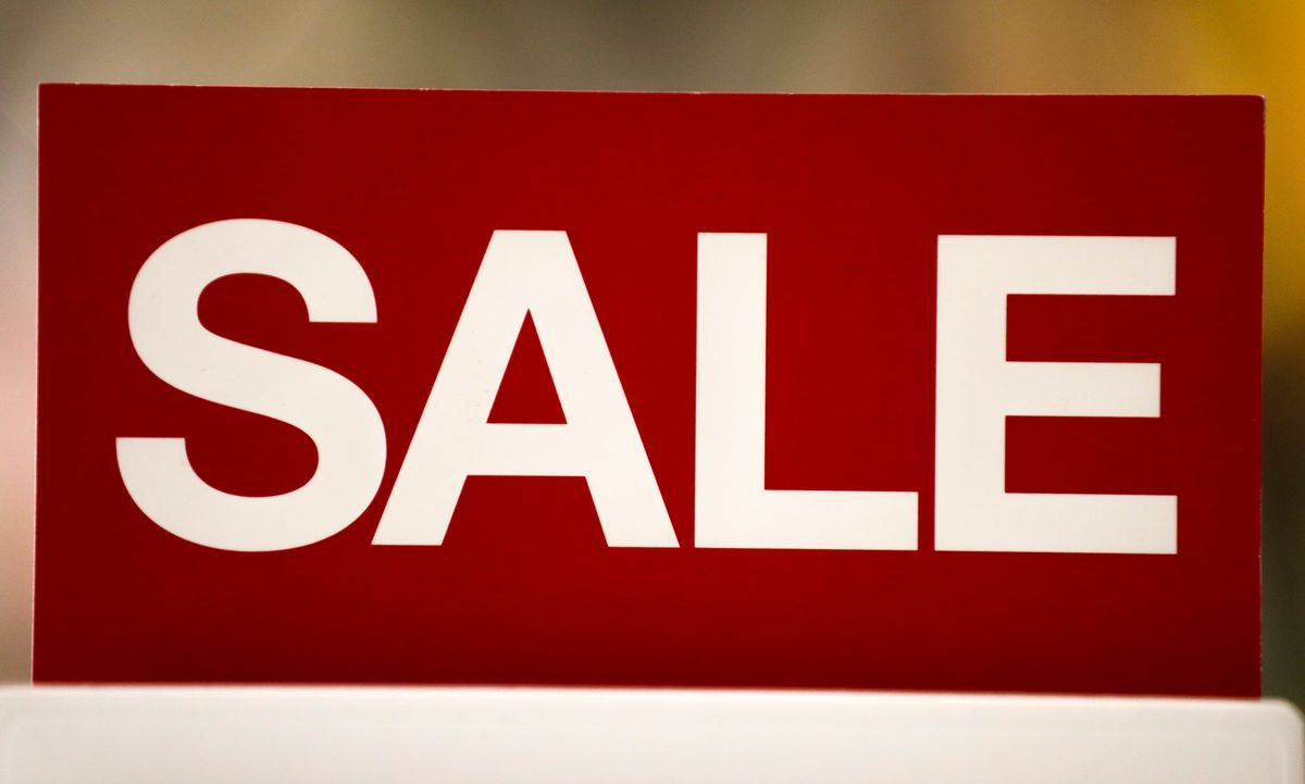 Hard Numbers: American shoppers set new records