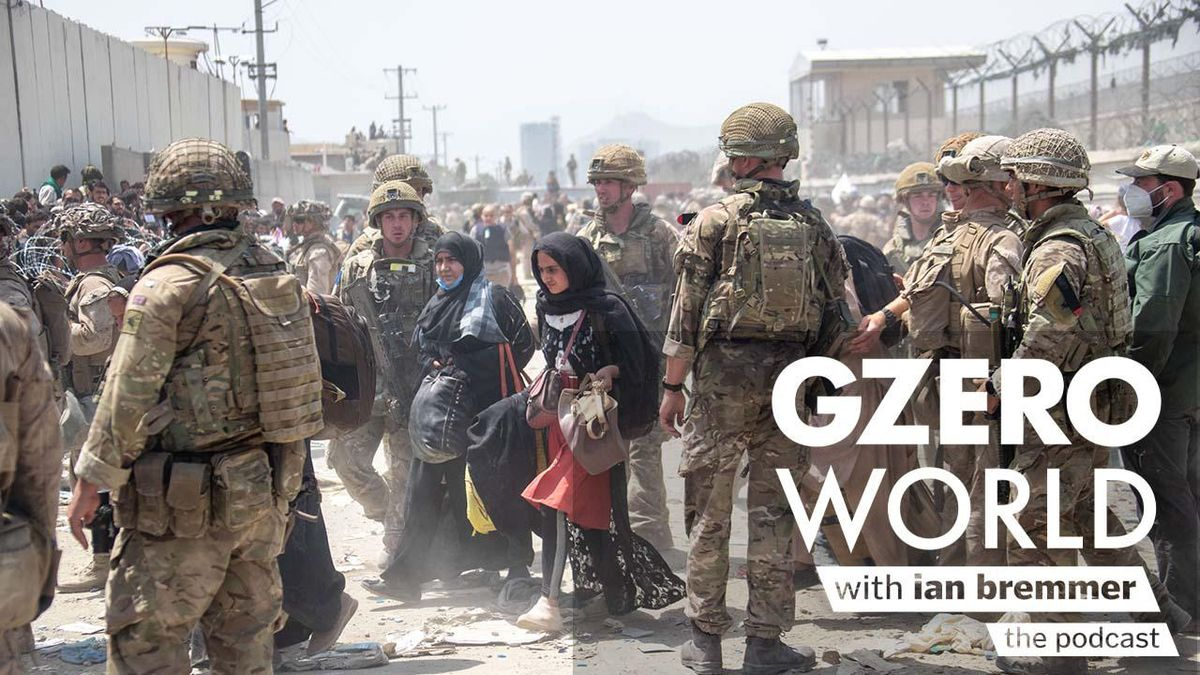 A group of American troops and Afghans