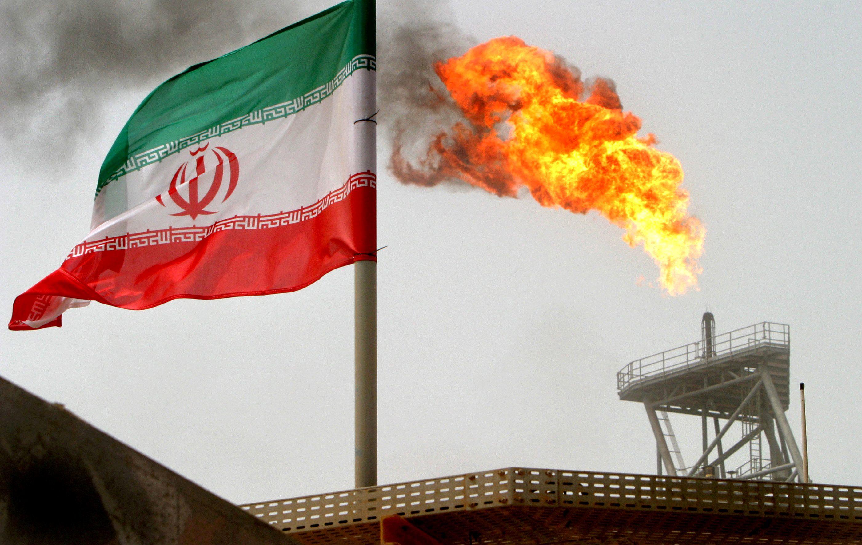 AMERICA'S CRUDE DREAMS ON IRAN