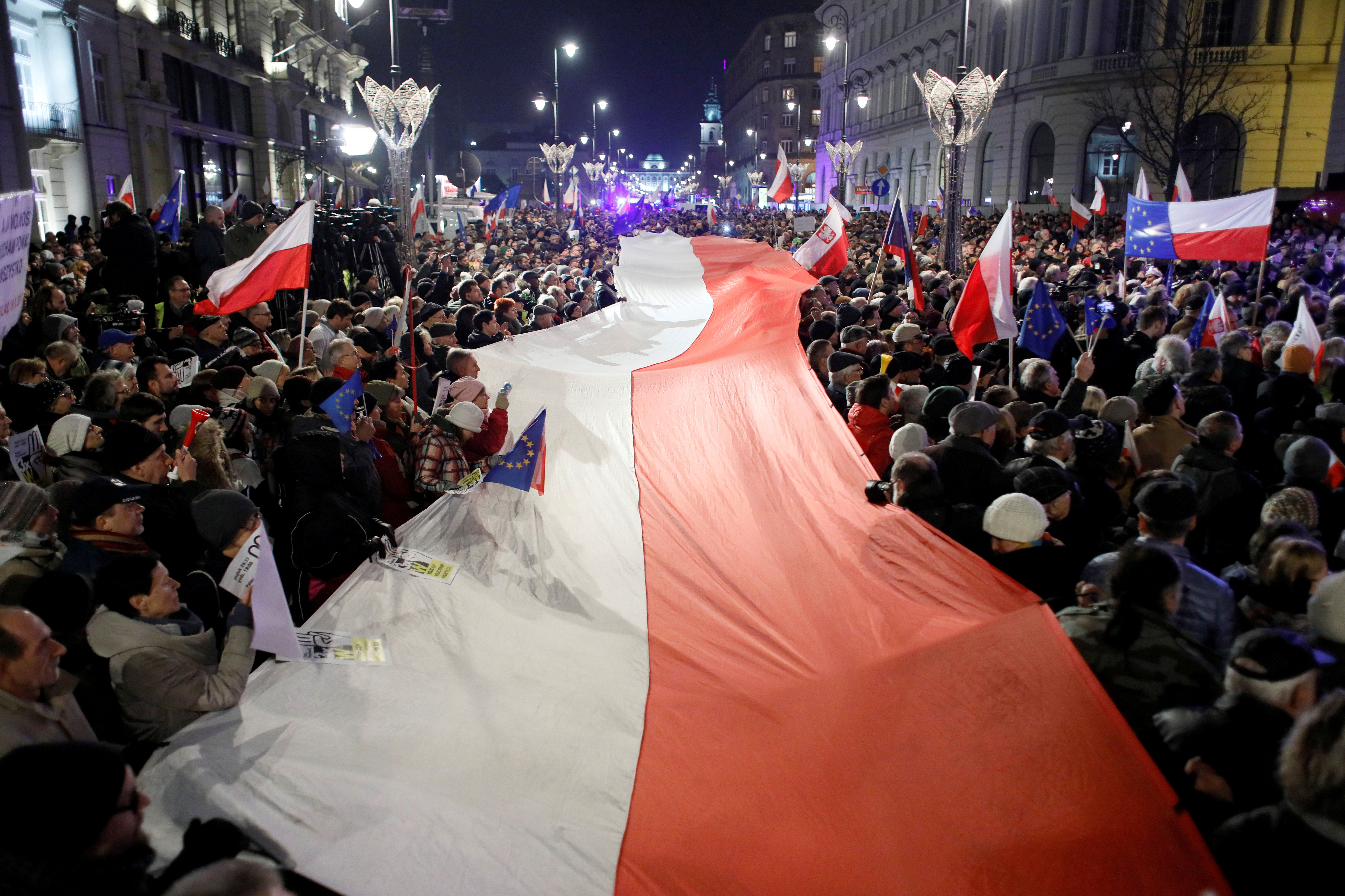 What We're Watching: Poles to the Polls