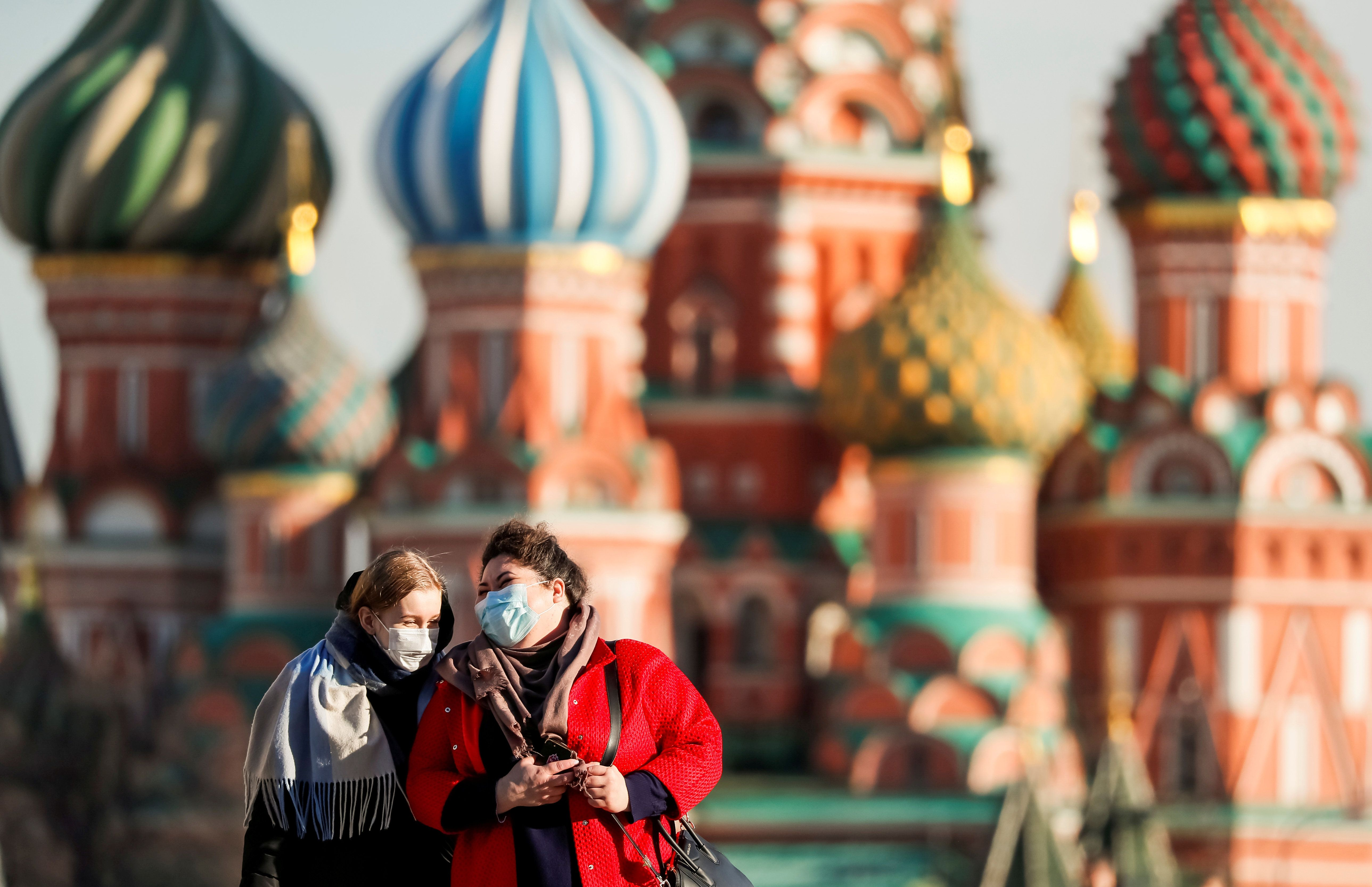 Coronavirus Politics Daily: Moscow lockdown, migrant children, Orban's power grab