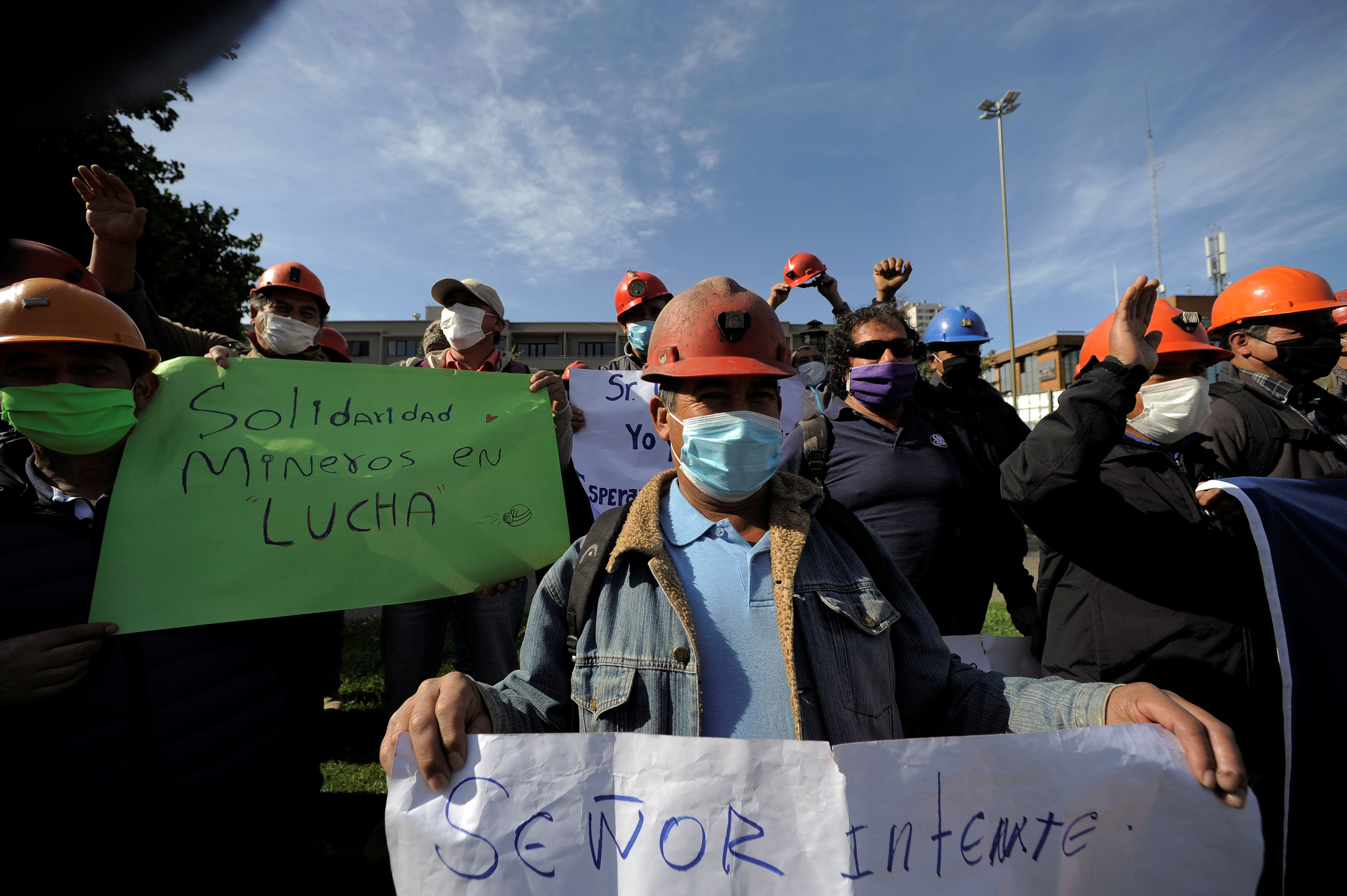 Coronavirus Politics Daily: Chile's miners in a jam, sexist attacks in Italy, climate summit postponed