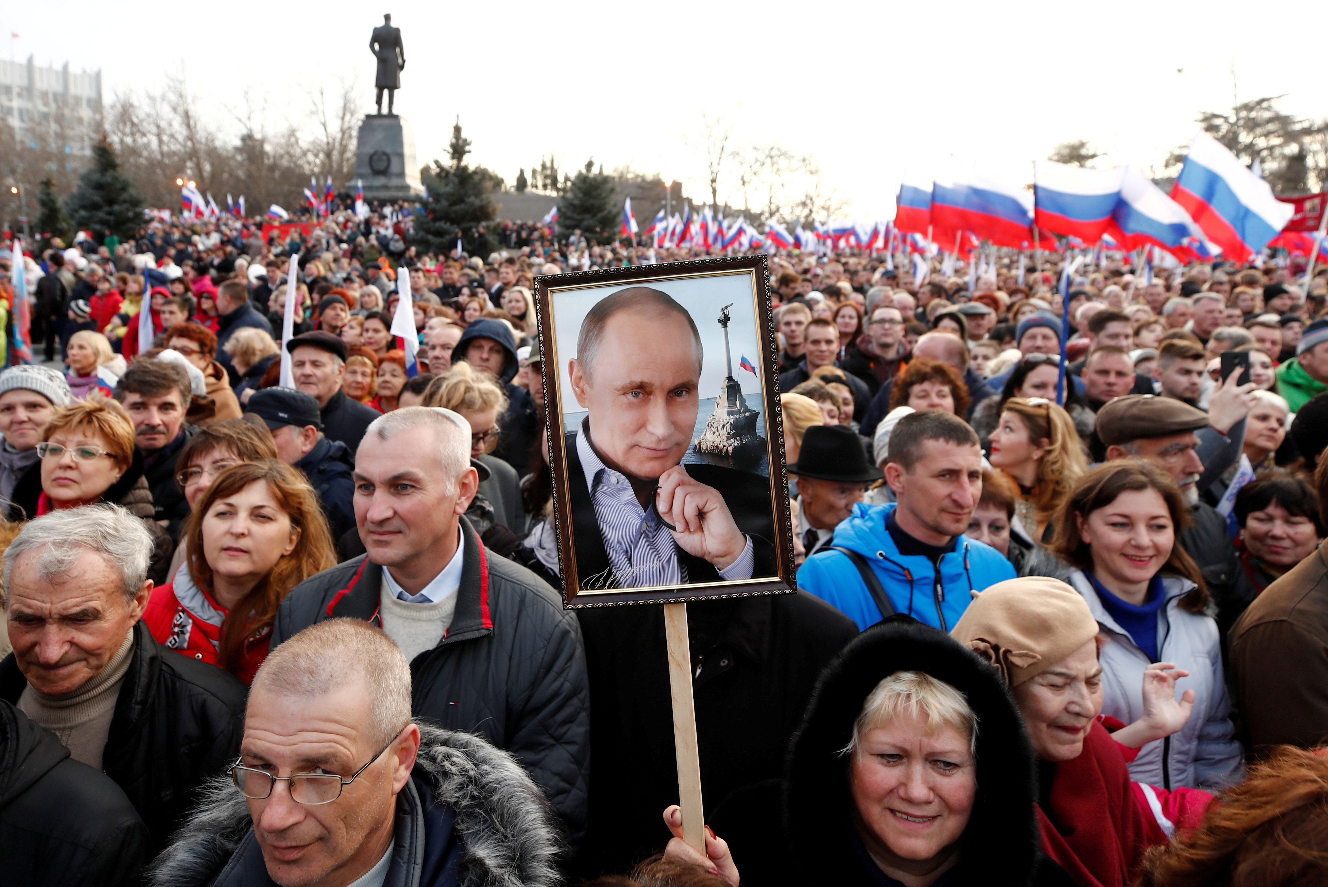 What We're Watching: Russians let Putin stay, Syria donors pledge, US & China battle over tech